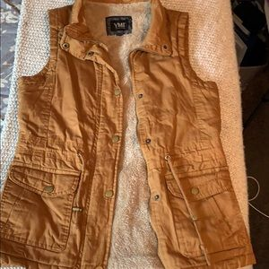 Vest with faux fur lining